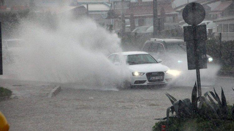 Çok Kuvvetli Yağış ve Fırtına Uyarısı!