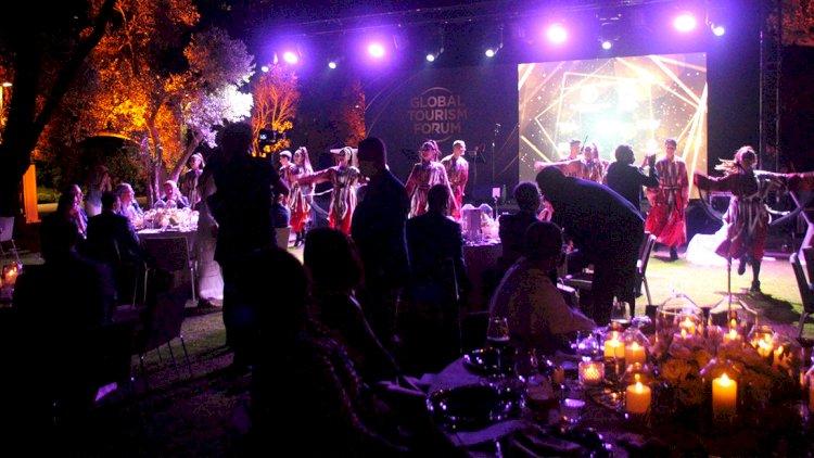 Forum Sonrası Gala Yemeği Yapıldı