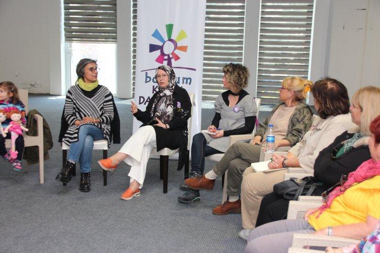 Müslüman Feminist Yazar Bodrum'da Söyleşiye Katıldı