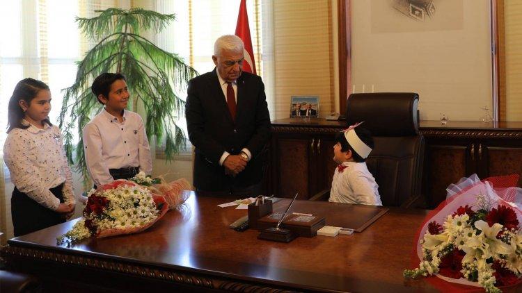 23 Nisan'da Büyükşehir'e İki Başkan...