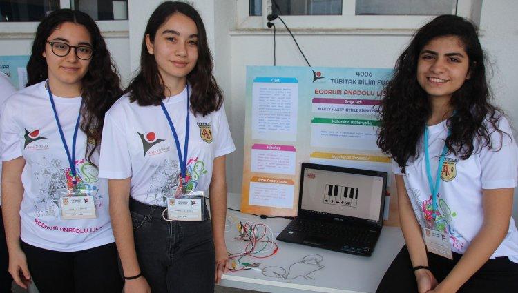 Anadolu Lisesi'nde Bilim Şenliği