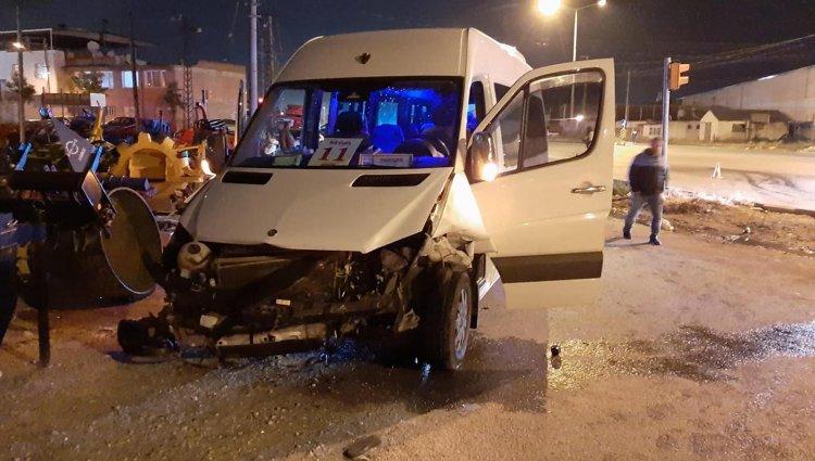 Bodrum'a Gelen Turistleri Taşıyan Minibüs Kaza Yaptı: 7 Yaralı!