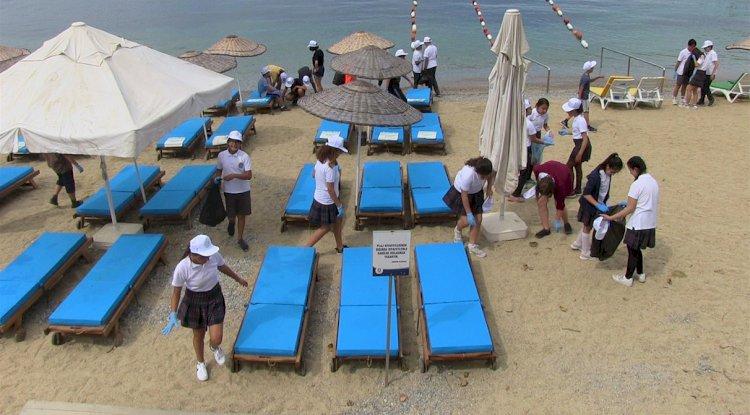 Çocuklar Plajı, Büyükler Denizi Temizledi