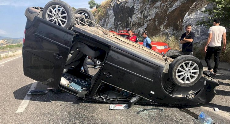 Hafif Ticari Araç Takla Attı: 1 Ölü, 2 Yaralı!