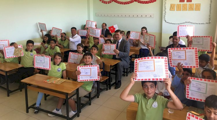 Bodrum'da 27 Bin Öğrenci Karne Heyecanı Yaşadı