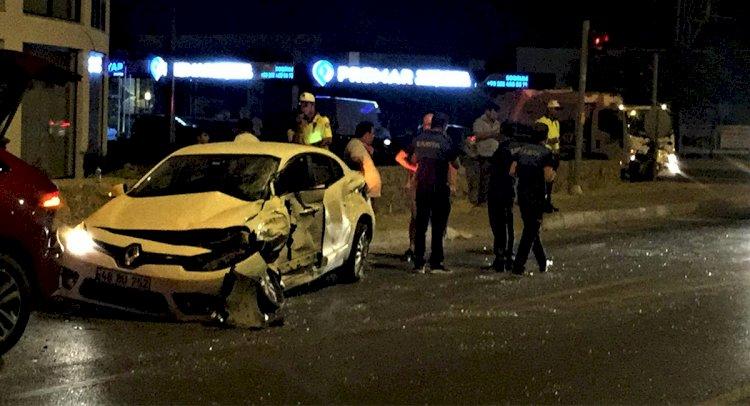Kavşaktaki Kazada Hamile Bir Kadın Yaralandı!..