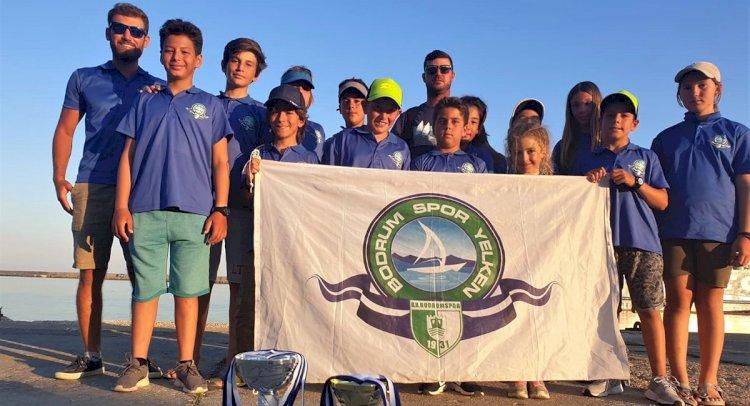 Yelkencilerimiz Yunanistan'dan Derecelerle Döndü