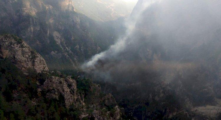 Yıldırımlar, Kanyonda 2 Yangına Neden Oldu