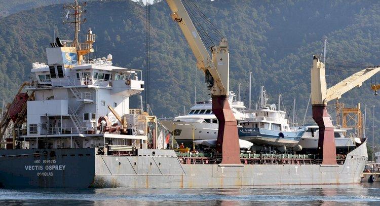 Lüks Yatlar, Kargo Gemileriyle Götürülüyor