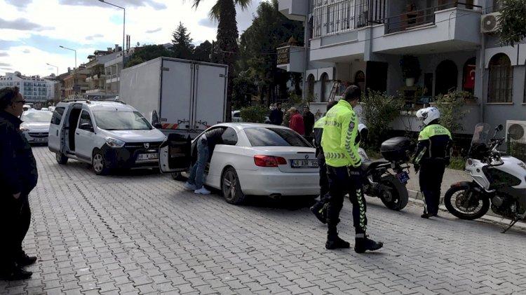 Çocuk Sürücü, Polise Çarpınca Yakalandı!