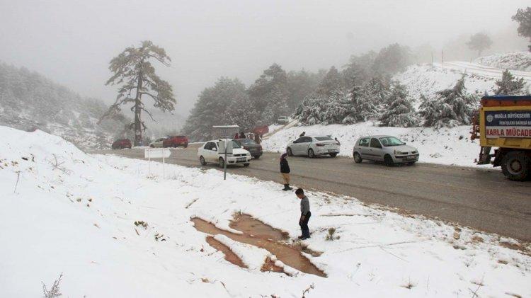 Muğla'nın Yüksek Kesimlerinde Kar!