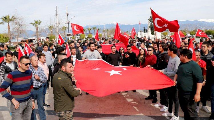Türkiye Mehmetçik İçin Tek Yürek...