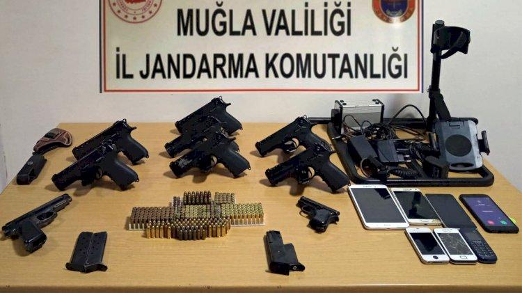 Jandarma'dan, Silah Kaçakçılarına Suçüstü!
