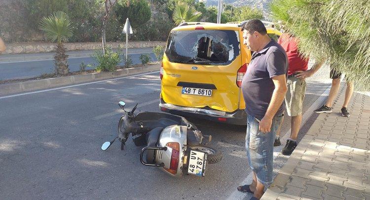 Taksiye Çarpan Motosikletli Yaralandı