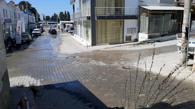 24 Saattir Tonlarca Su Boşa Akıyor!