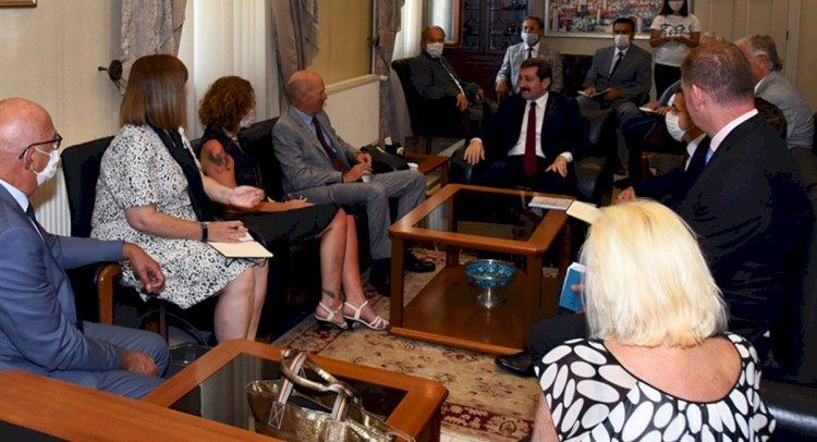 Büyükelçi Chilcott, Vali Tavlı'yı Ziyaret Etti