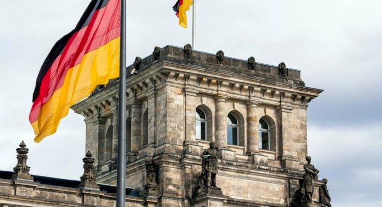 Almanya Seyahat Yasağını Uzattı