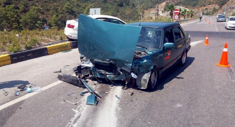 2 Otomobil Çarpıştı: 6 Yaralı!..