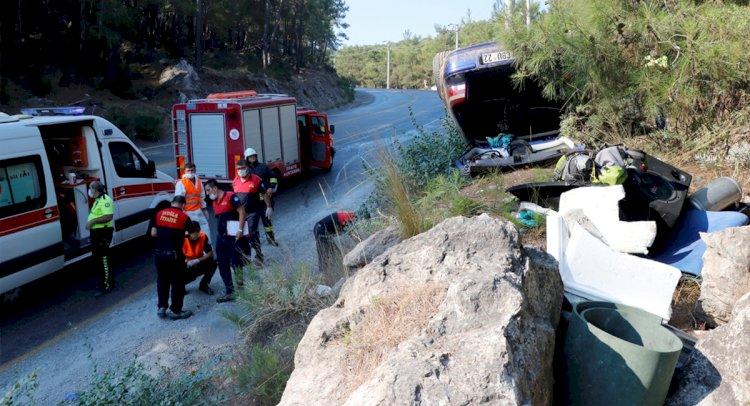 Otomobil Takla Attı: 2 Yaralı!