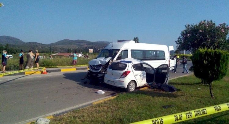 Minibüs İle Otomobil Çarpıştı: 1 Ölü, 5 Yaralı!