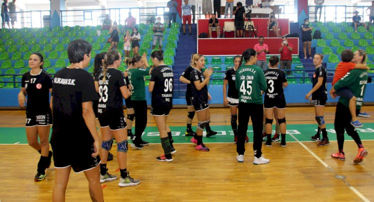 Turnuvanın Galibi Denizin Kızları