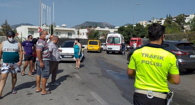 Islanan Yolda Kayıp, Otomobile Çarptı!