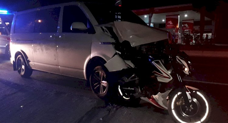 Minibüs Motosiklete Çarptı; 1 Ölü!..