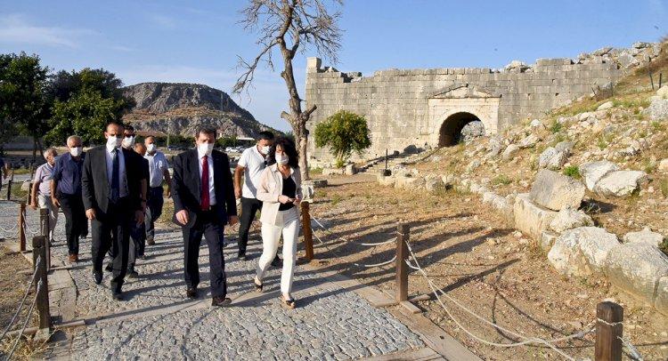 Tavlı, Antik Kentlerde İncelemeler Yaptı