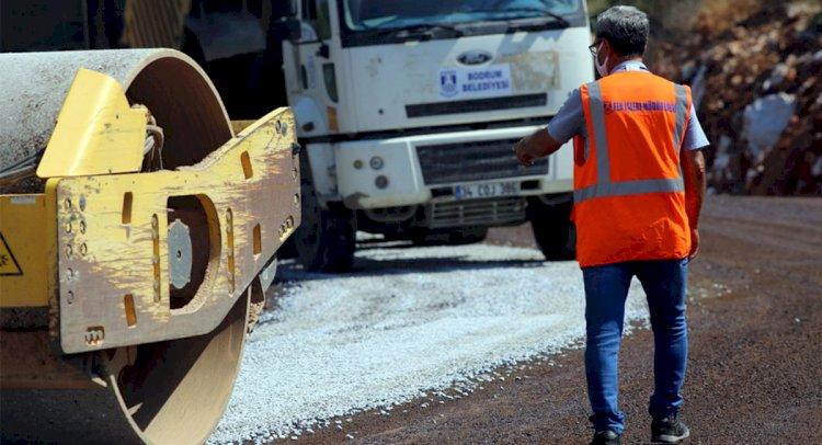 Karaova'da Yol Çalışmaları Sürüyor