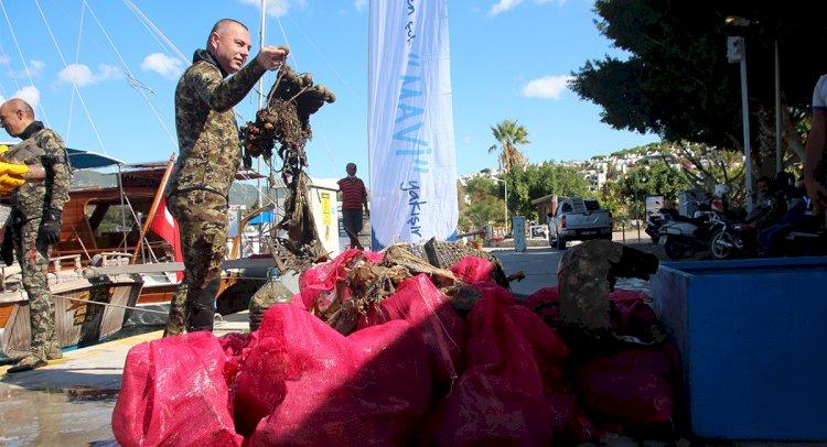 Gönüllü Dalgıçlar 300 Kg Atık Çıkardı