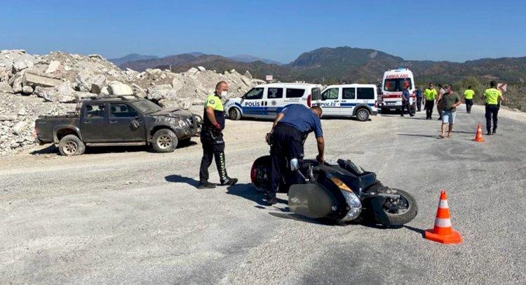 Kamyonetle Motosiklet Çarpıştı: 1 Ölü!