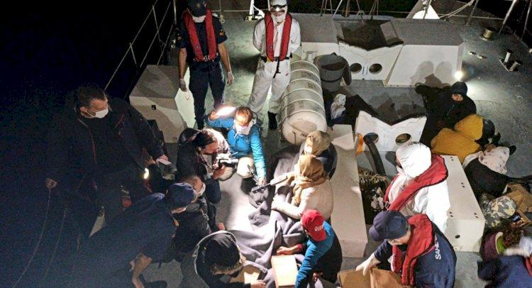 Karasularımıza İtilen 18 Sığınmacı Kurtarıldı