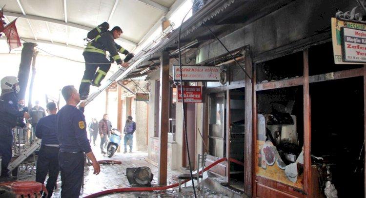 Tarihi Arastada Korkutan Yangın!
