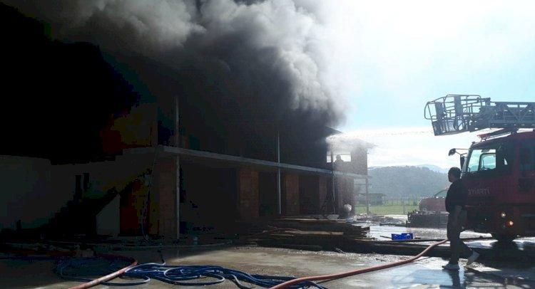 Fidan Üretim Tesisinde Yangın