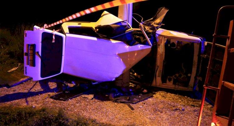 Direğe Çarpan Aracın Sürücüsü Öldü