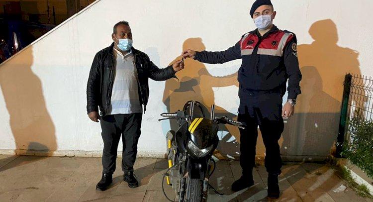 Çalınan Motosikleti Teslim Ettiler