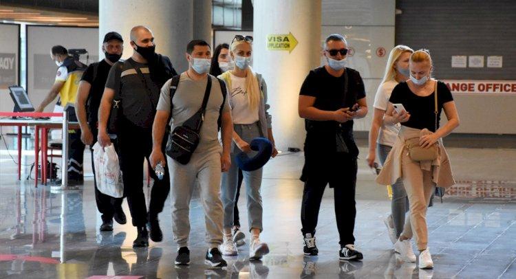 Ukraynalı Kafileyi Büyükelçi Karşıladı