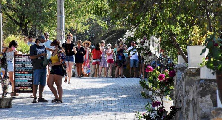 Datça, Nüfusunun 4 Katı Turist Ağırlıyor