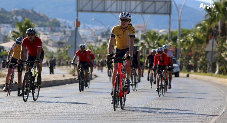 Cumartesi Bisiklet Yarışı Var